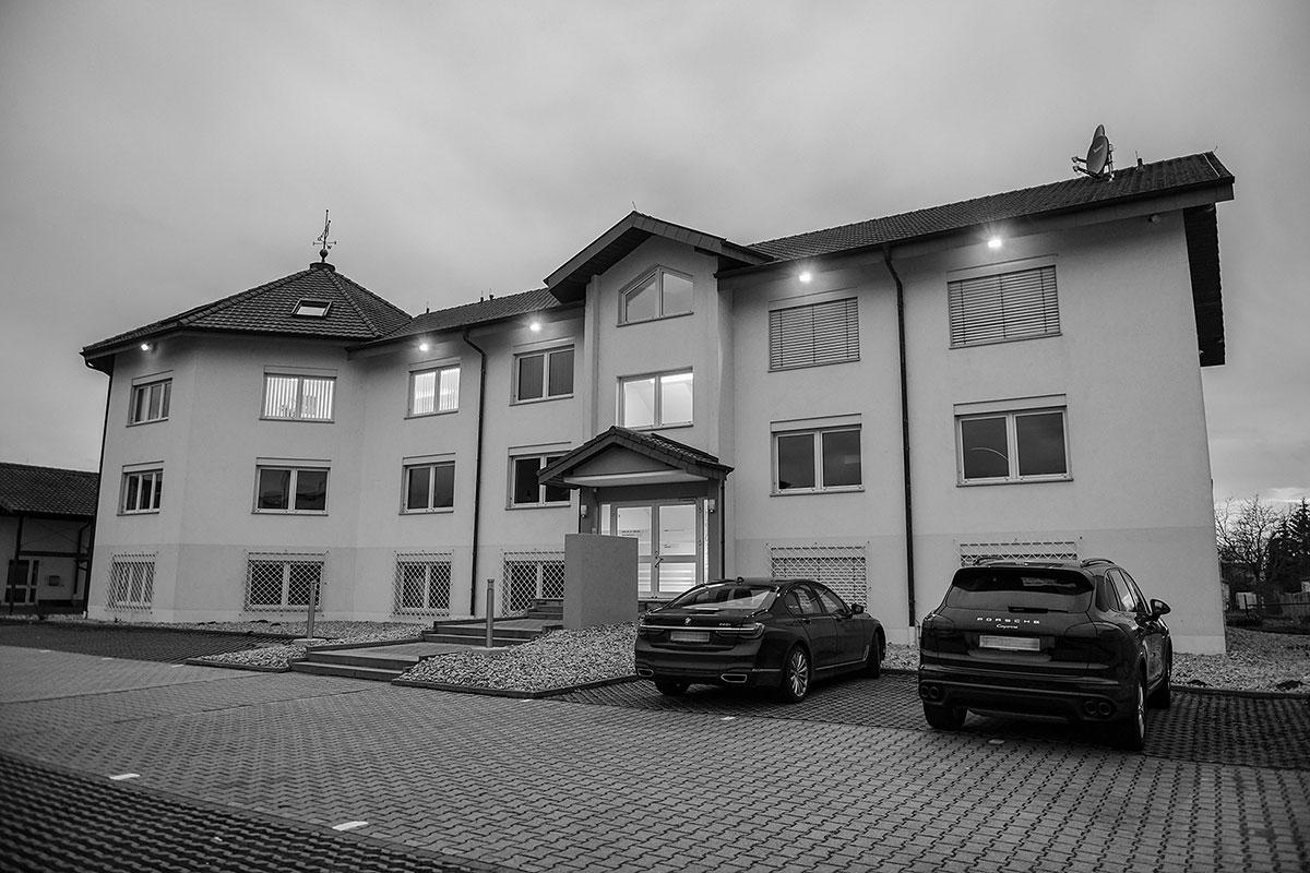 Gebäude der Kanzlei Yarayan in Müllheim bei Freiburg / Lörrrach